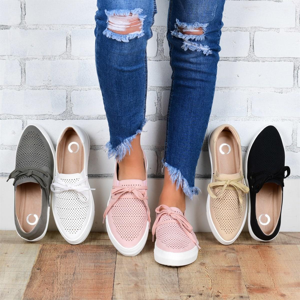 Comfort Slip-on Tie Sneaker