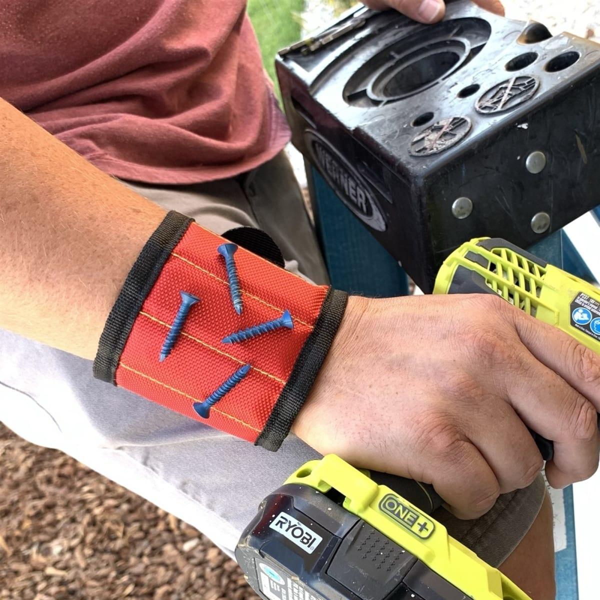 Magnetic Multi Tool Wristband Helper