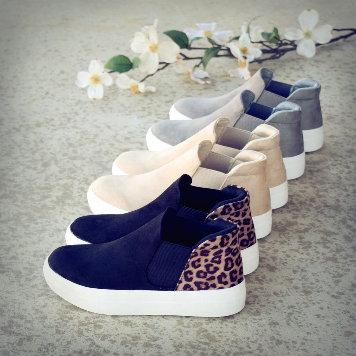 Jane Low Top Cushioned Sneakers