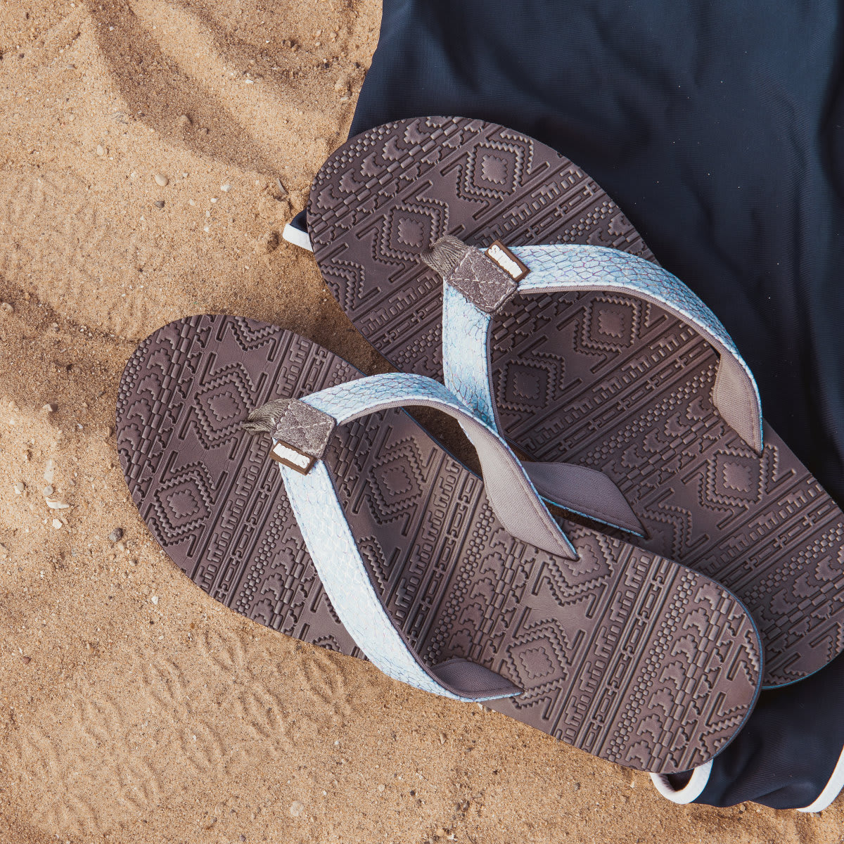 7c348c8042d3 Pick up the MUK LUKS ® Emma Flip Flops for just  14.99 + FREE Shipping!  Great reviews! (Currently  20 on Amazon) In 4 styles