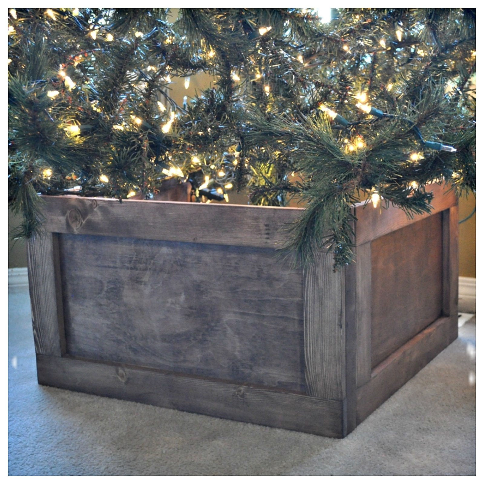 Foldable Wood Christmas Tree Collar Jane